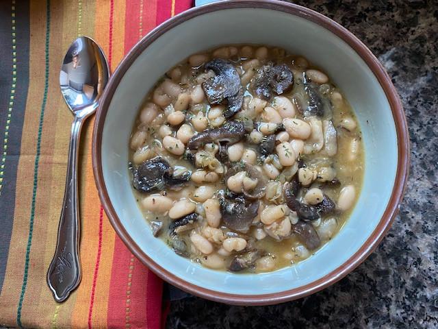 White Bean & Roasted Mushroom Soup