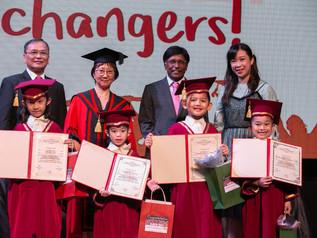 学校结业典礼 School Closing Ceremony