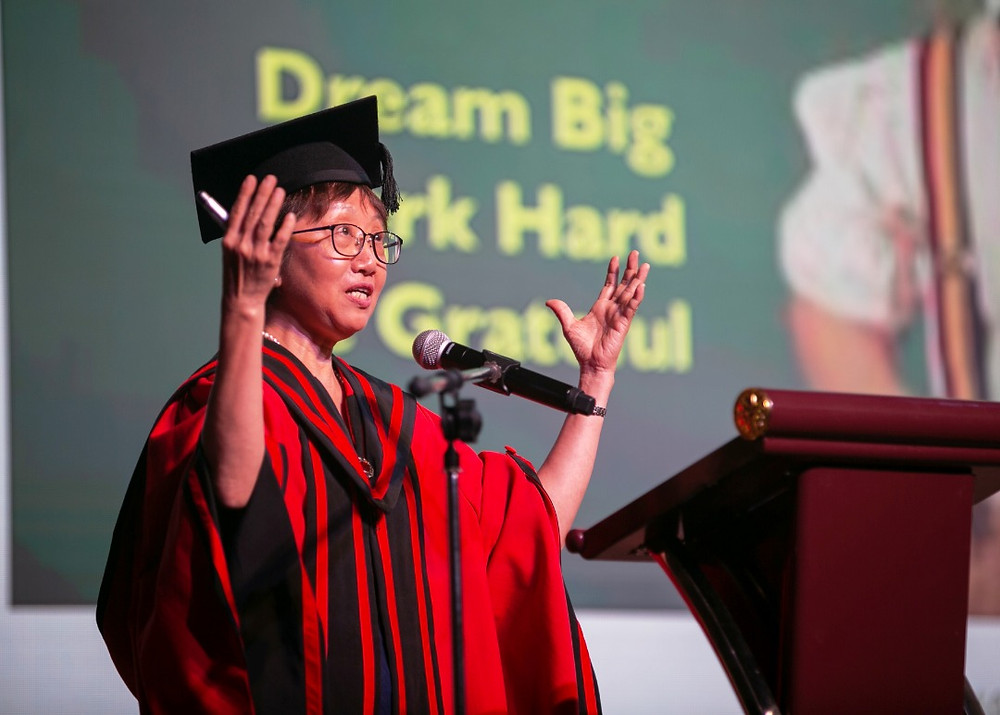 Dr. Sim Si Mui, the principal of the school, said that students should embrace their dreams and be grateful
