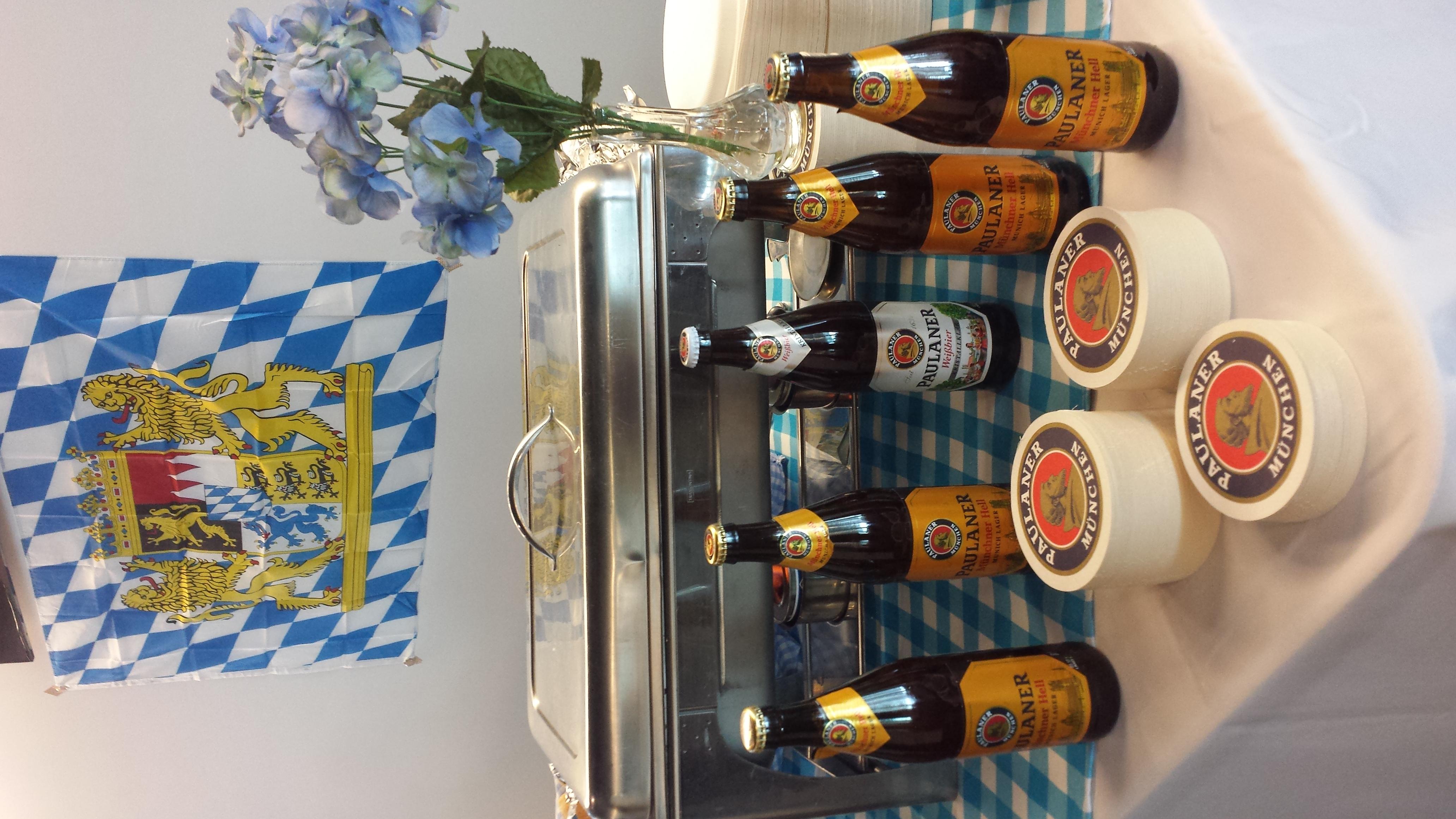 ¡Salchichas y cervezas!