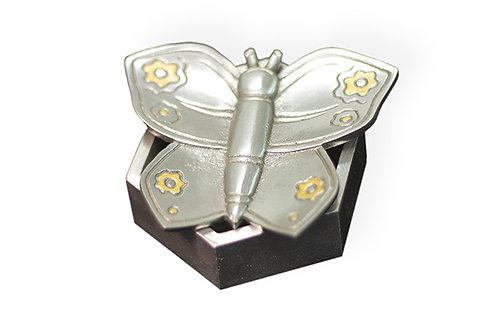Κουτί - πεταλούδα  /  Box - butterfly