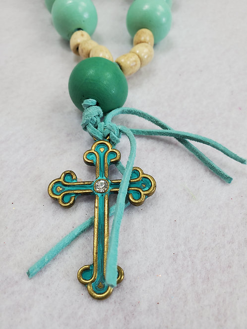 Turquoise/cream wood bead necklace w/cross