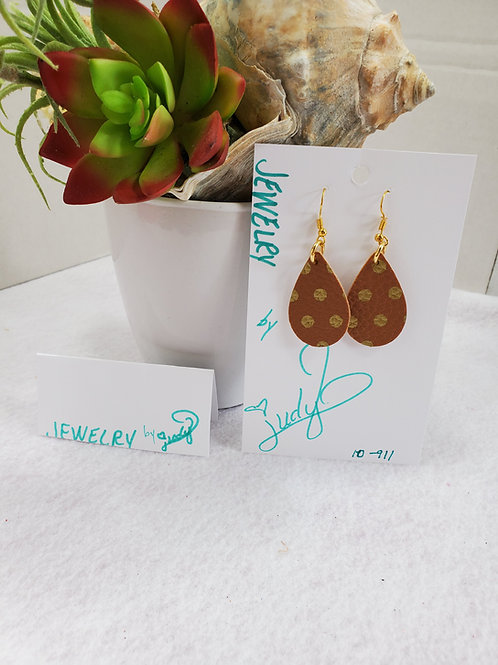 Tan w/ gold dots leather teardrop with gold-tone wires