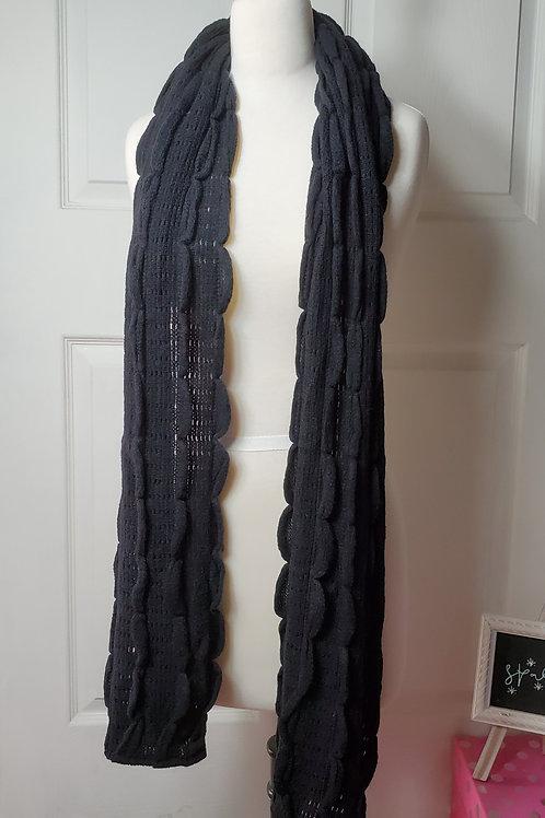 Scallop Ruffle Knit Scarf