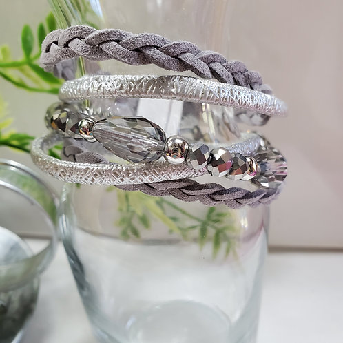5 Strand gray/silver Faux Leather Bracelet w/beads magnetic clasp