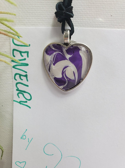 "Artistic Acrylic Purple/Pearl Heart Pendant 14""black leather cord Silver-tone m"