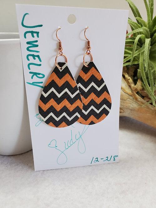 Z pattern leather teardrop in Orange/Black/White w/copper-tone wires
