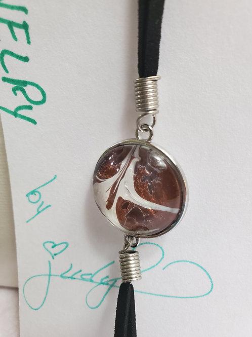 "Artistic Acrylic 7""-9"" adjustable Bronze/Pearl Bracelet Silver-tone metal"