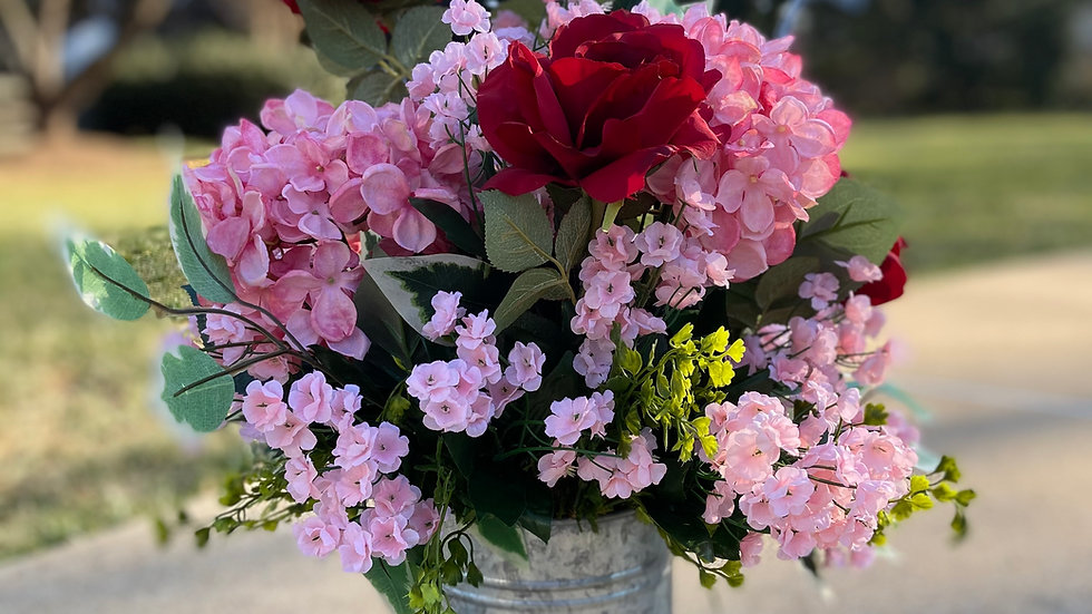 ROMANCE IN PINK & RED