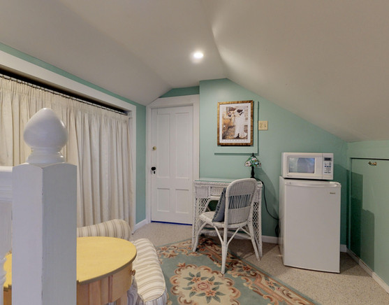 Cadillac Suite - work area