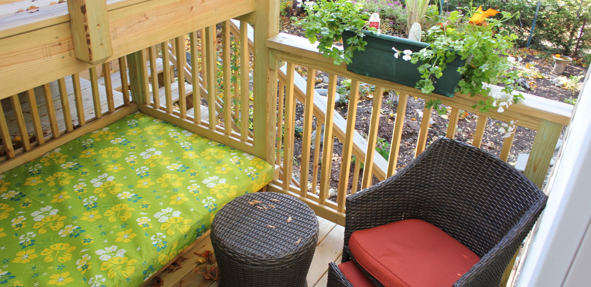 Blue Ribbon Private Deck with daybed.JPG