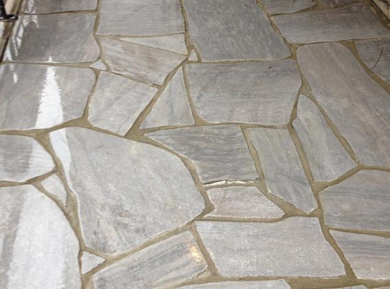 Palier de pierre naturelle