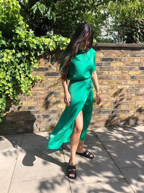 Ayla t-shirt knot midi dress with split back