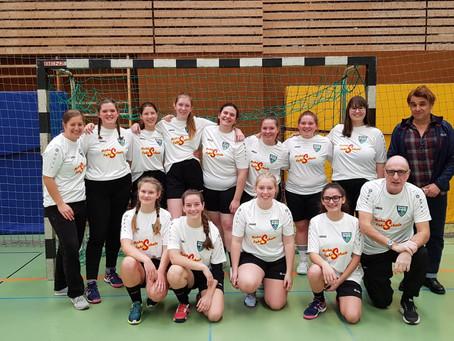 Neue Aufwärmshirts für die B-Jugendmädels der HSG Bad Wimpfen / Biberach