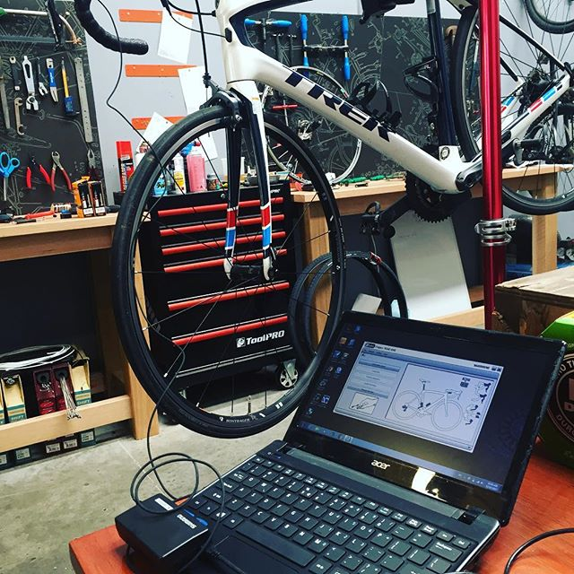 Being a #techgeek I do love playing with #di2 and dialing in these bikes