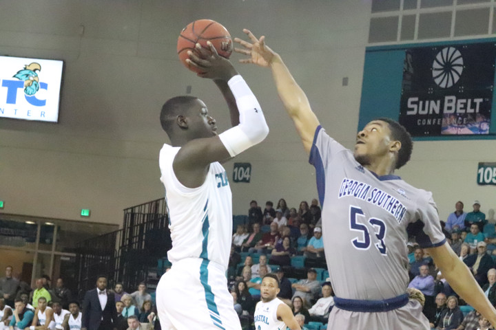 CCU upsets Utah in round one of the Myrtle Beach Invitational