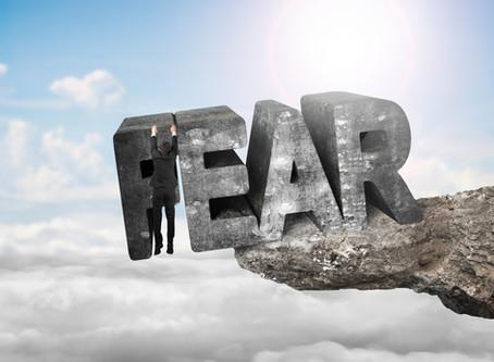 לחבק את הפחד