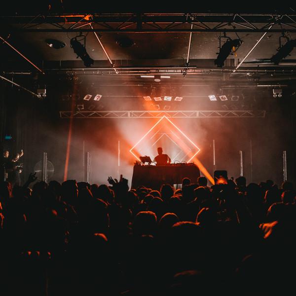 DJ Sound n Light