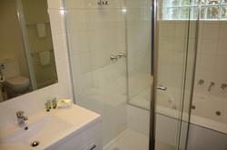 LG_Shower