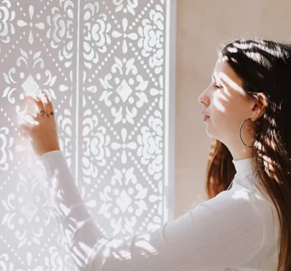 תריס אור דקובריק - דקובריק- משרביות לקיר