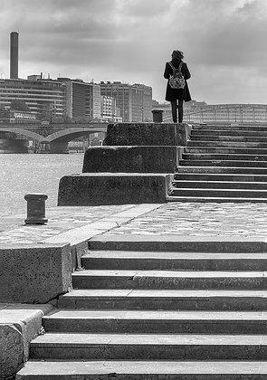 surplombant la Seine