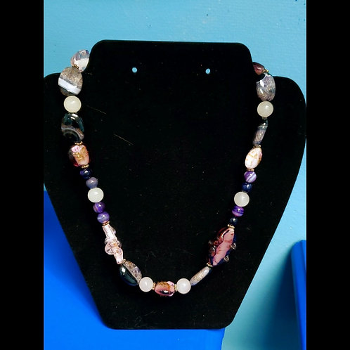 UNIQUE BEADS: Agate, White Jade And Lampwork Bead Necklace