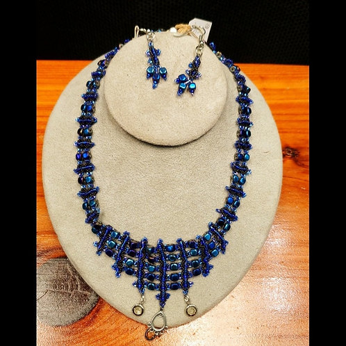 UNIQUE BEADS: Blue Seed Bead Choker And Earrings