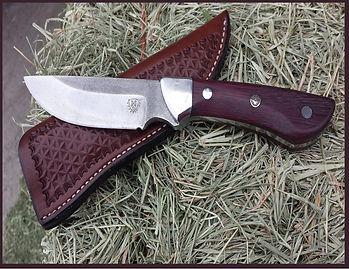 TothePointknife.jpg
