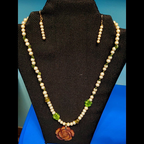 UNIQUE BEADS: Pearl And Lampwork Necklace with Mother of Pearl Pendant