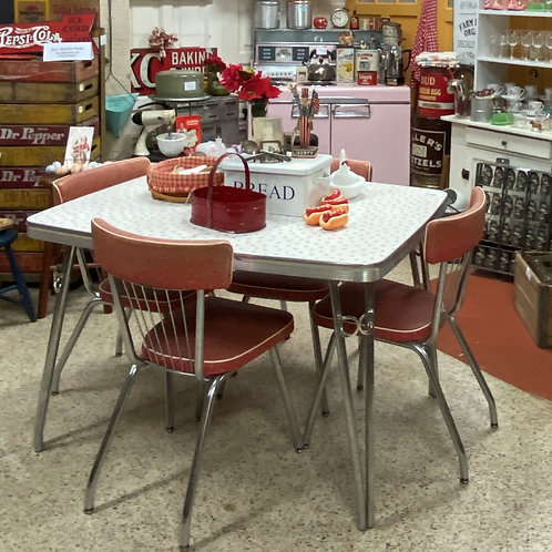 TEXAS TRAILS: 1950 Aluminum Dinette Table/6Chairs. Red vinyl w/gray print.