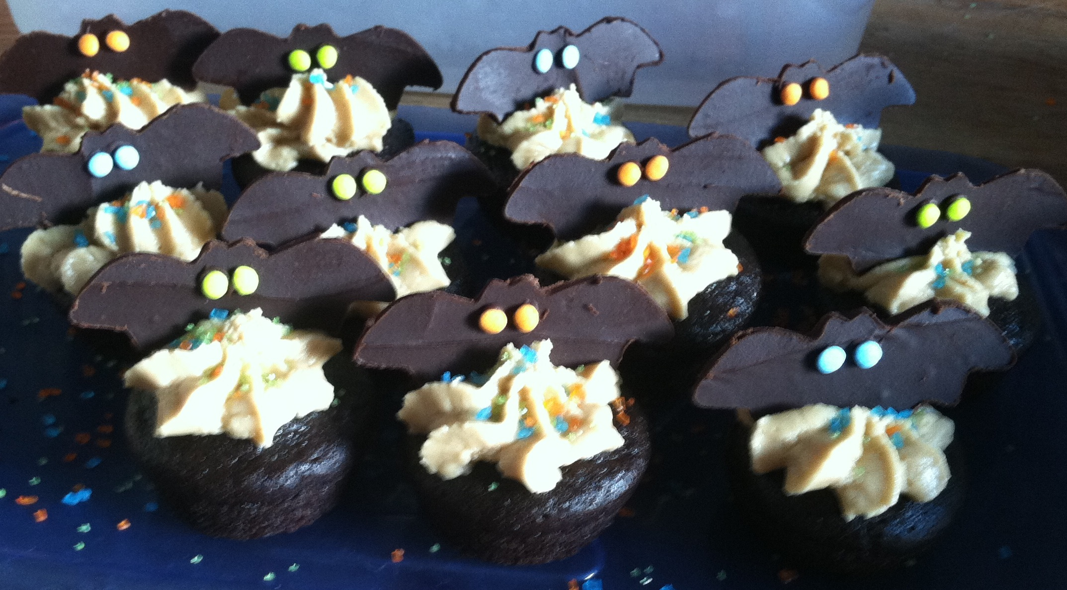Batty Bat Mini Cupcakes.png