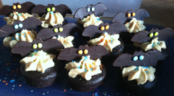 Batty Bat Mini Cupcakes.png