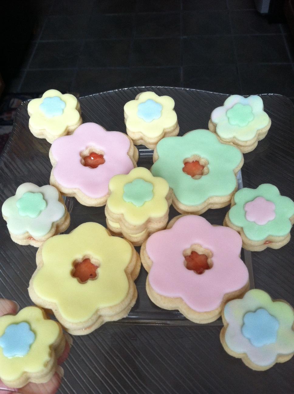 Jam+Flower+Cookies.jpg