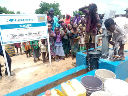 La joie d'une eau potable au village !