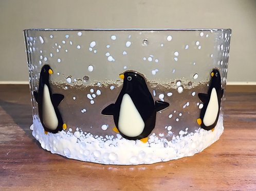Penguins in Snow Curve