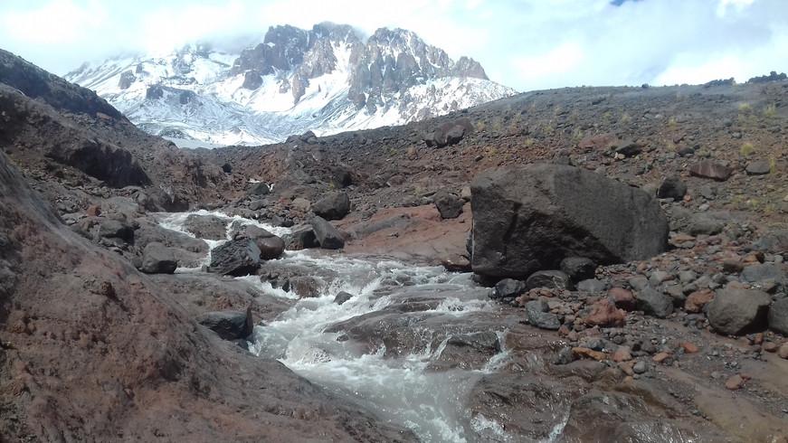 Úton a Gergeti-gleccserhez, 3200 méteren