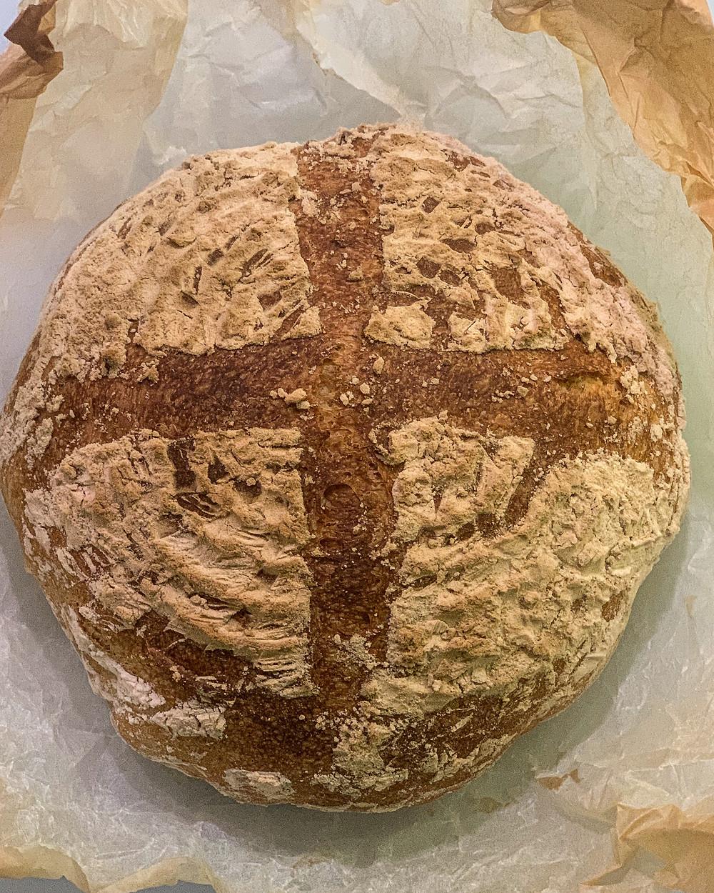 sourdough baking, droži, peka z drožmi, starter, kruh, kislo testo, helenine čarovnije, krušna moka, jogurt, testo z jogurtom, sourdougmania, dober kruh, recept za kruh