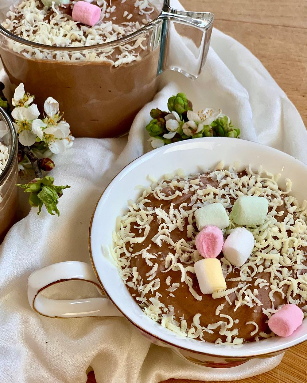 Chocolate mousse , helenine čarovnije, čokoladni mousse, čokoladna sladica, hitra sladica, enostavna sladica, kosilo, velika noč
