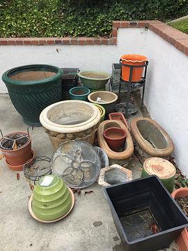 pic of empty pots