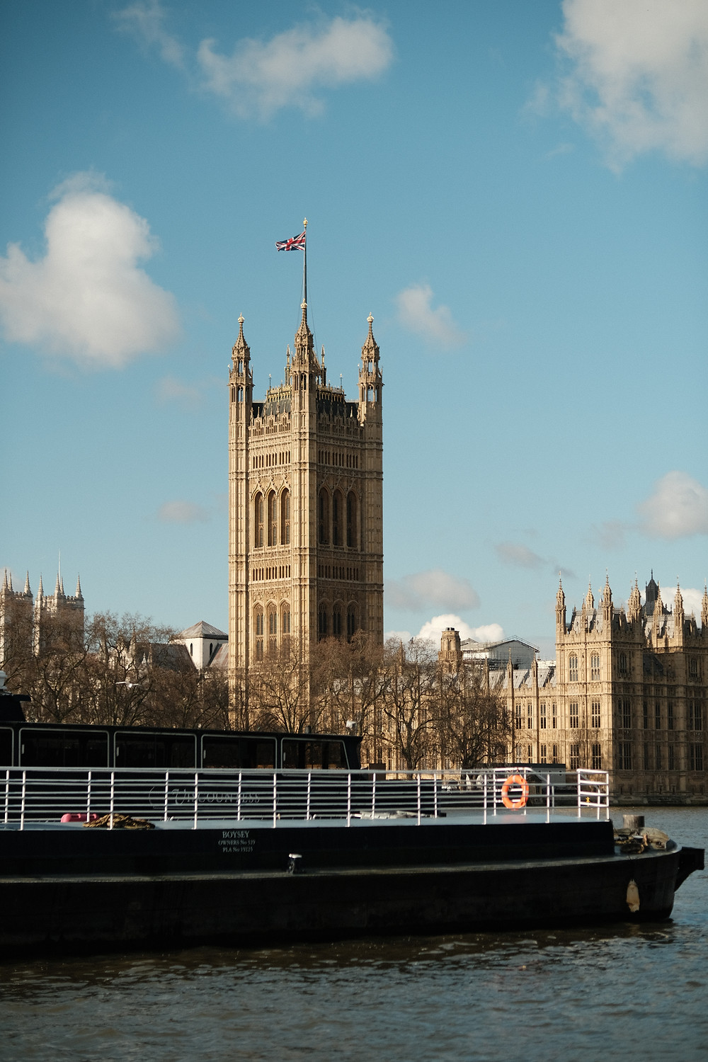 Westminster Palace captured with Fujifilm f/1 Lens