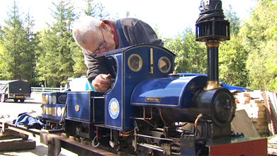 Making adjustments to the large gauge locomotive