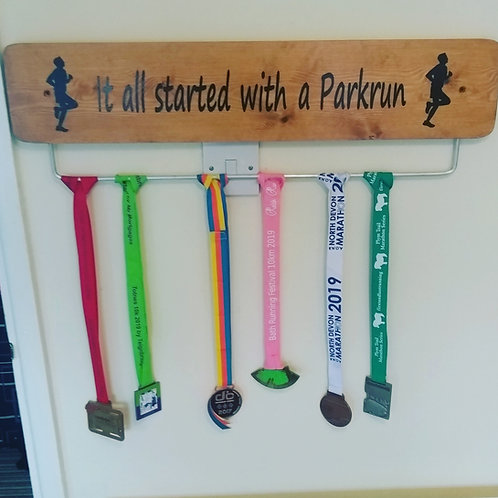 Parkrun Medal Hanger Male 70cm Oak Stained
