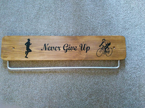 Never Give Up Oak Run Cycle Medal 45cm/70cm