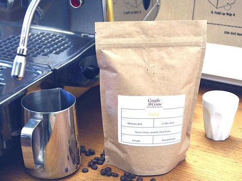 Gold Medium Dark Roasted coffee (bio-bag)