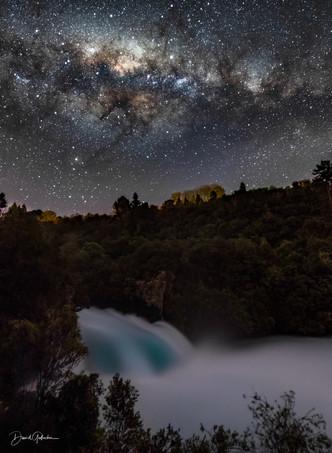 Huka setting Milky way