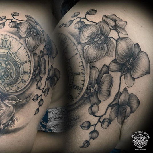 Swallow and roses , clock time - tattoo black and grey