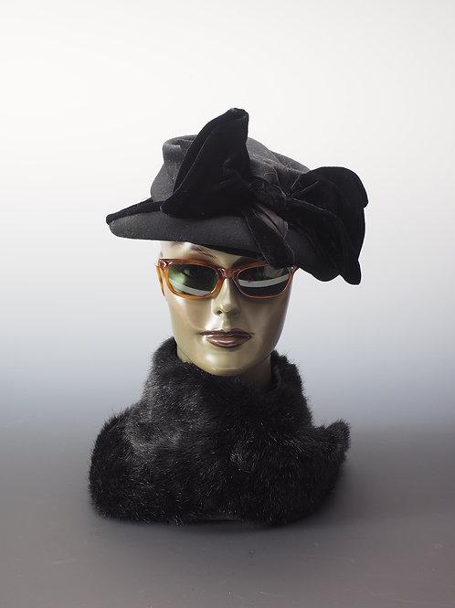 Chapeau en velours noir à noeud