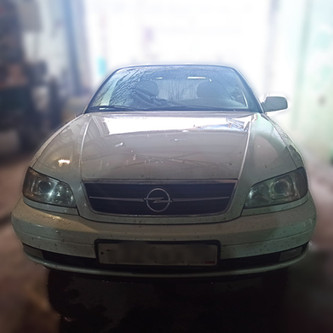 Opel Omega.