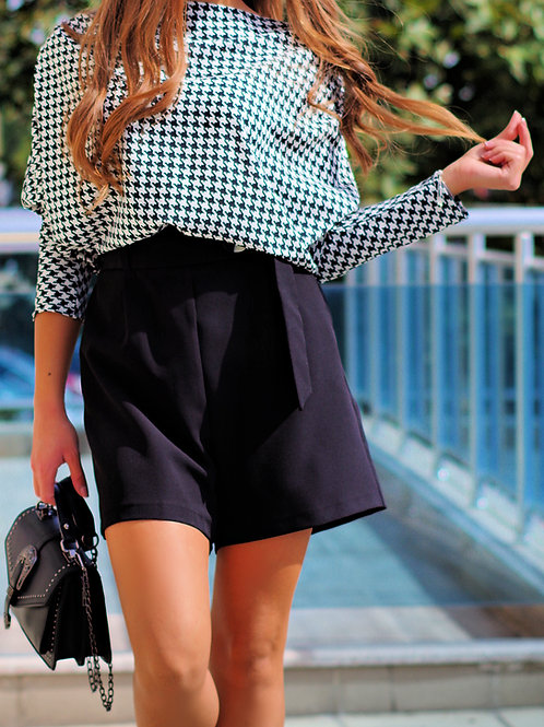Панталон- Black belted shorts