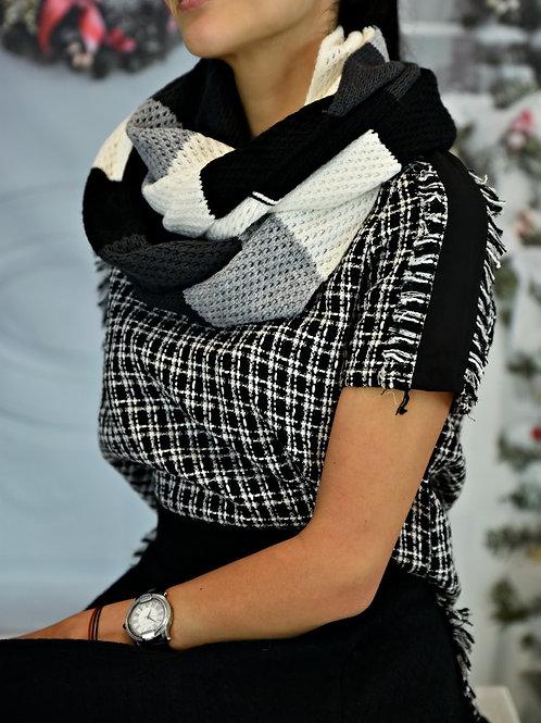Шал- Black & white